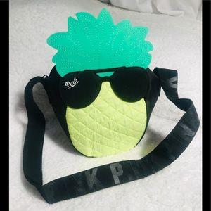 🍍Victoria Secret PINK mini cooler bag!